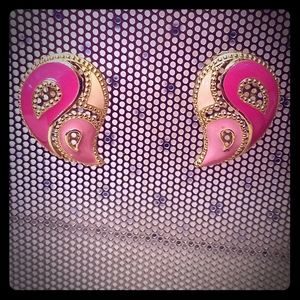 Vintage Avon Pink Swirl Earrings (Pierced)